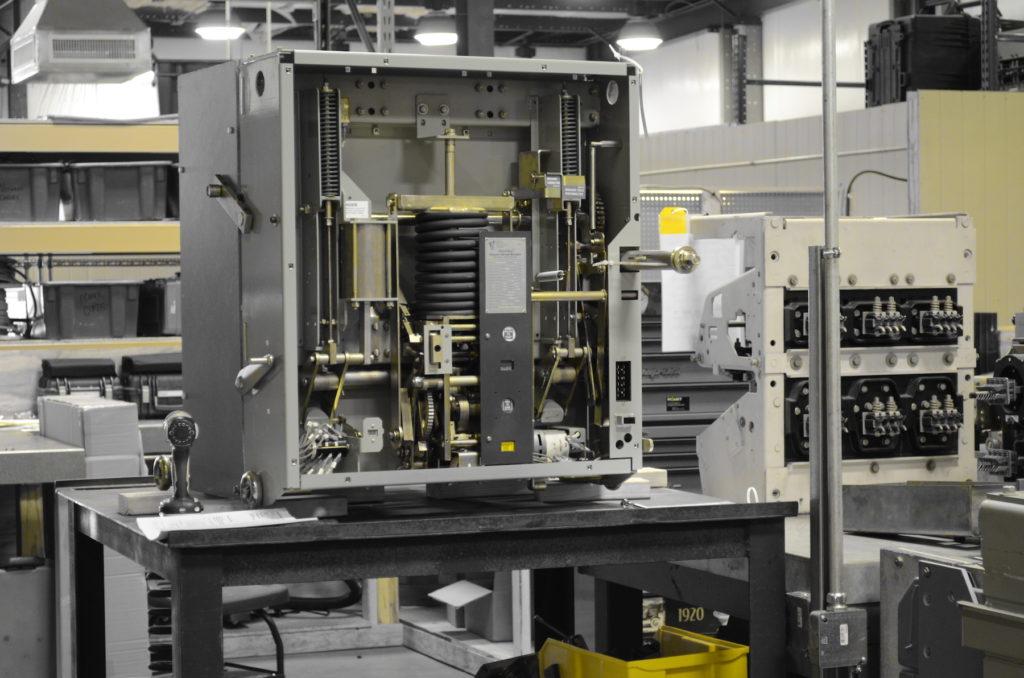 inolect breaker services low voltage medium voltage switchgear maintenance testing training